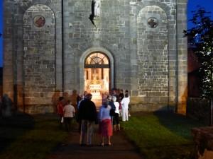 devant l' église