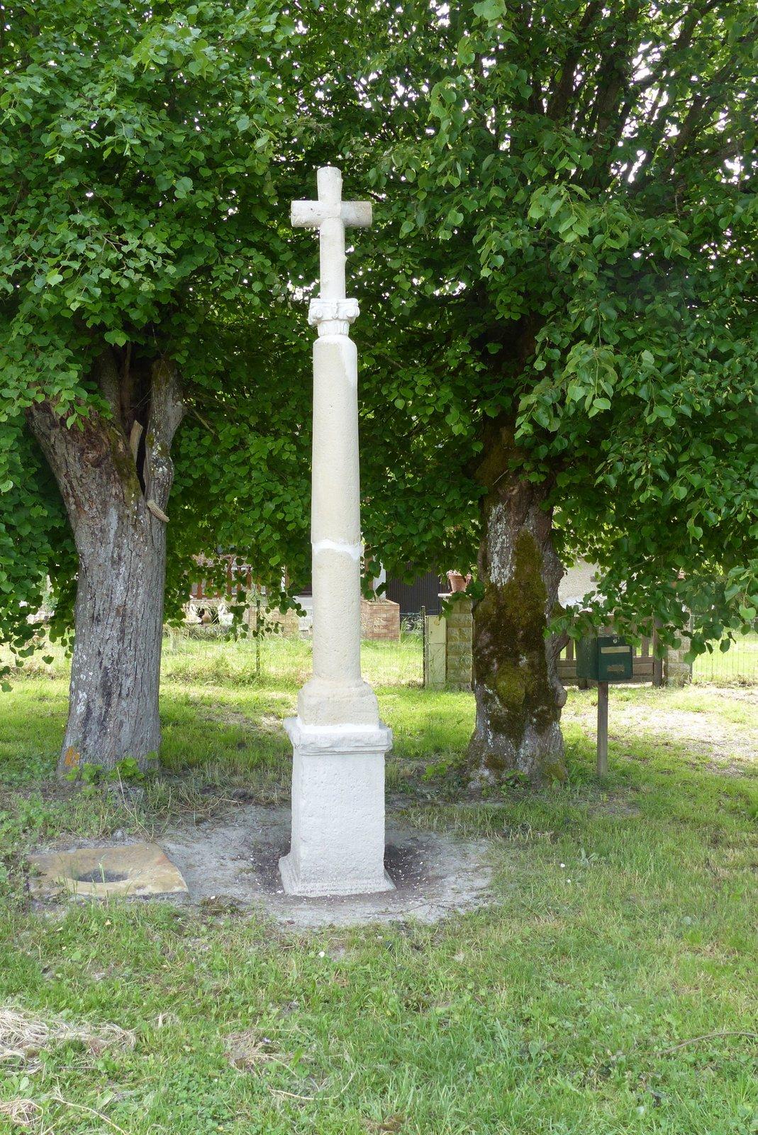 La croix à la mémoire de Rose Euphrasie
